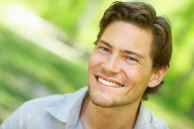 Um beim Casting zum Männermodel zu bestehen, sollten Sie sich gut vorbereiten.