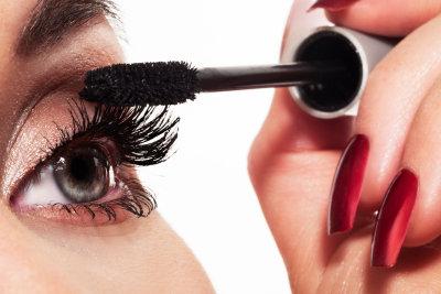 Längere Wimpern zaubern Sie mit der richtigen Wimperntusche!