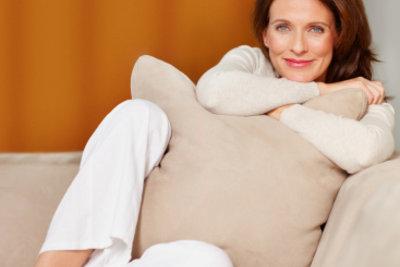 Es ist gar nicht so schwer, ein Sofa neu zu beziehen