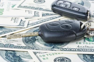 Ein Firmenwagen spart dem Arbeitnehmer Geld und muss deshalb in der Steuererklärung angegeben werden.