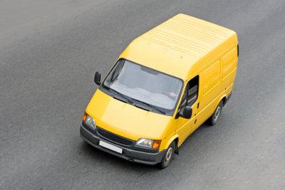 Mit einem gemieteten Transporter bringen Sie auch sperrige IKEA-Einkäufe nach Hause.