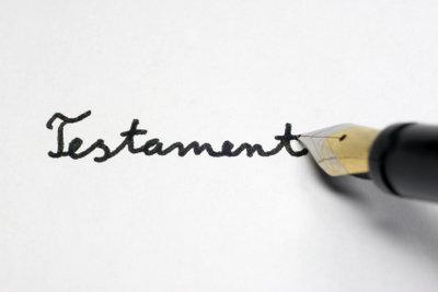 Richtig! Ein ordentliches Testament kann man selber schreiben.