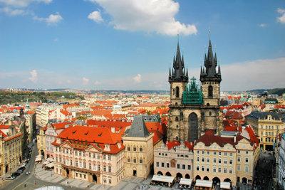 Wegen Tourismusfallen sollte ein Reisender nach Prag wenigstens übliche Preise sowie die Tricks der Betrüger kennen