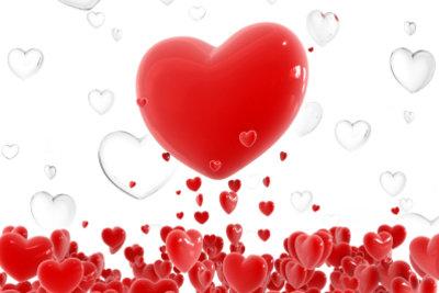 Dass er sich in Sie verliebt, können Sie nicht erzwingen - etwas nachhelfen geht jedoch immer!