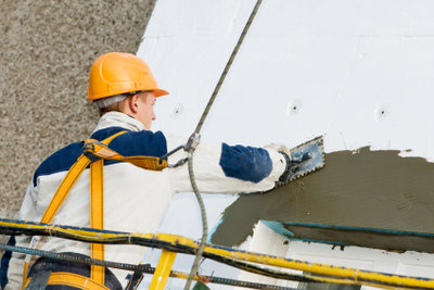 Blitzbeton erleichtert kleine Reparatur- und Montagearbeiten.
