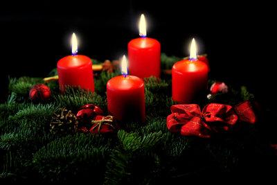 Zünden Sie Kerzen an und erleuchten damit Ihr Herz.