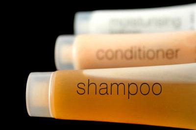 Ein gutes Haarshampoo verleiht Ihrem Vollbart den nötigen Glanz.