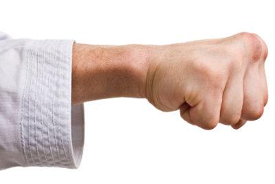 Karate kann man auch zu Hause lernen.