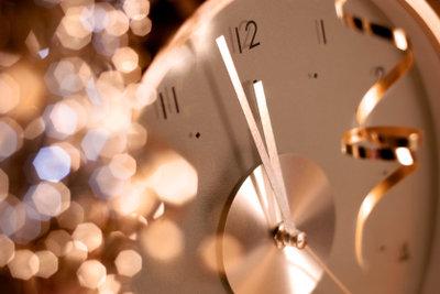 Einsam ins neue Jahr? So feiern Sie eine Singleparty zu Silvester!