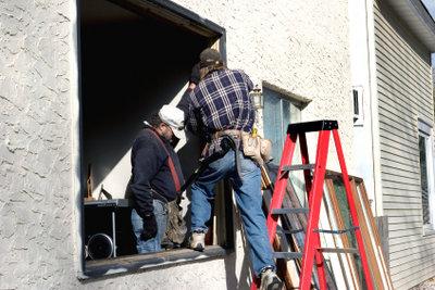 Mit einigen Hilfsmitteln können auch Sie Ihre Fenster reparieren.