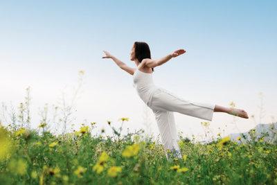 Auch Yogaübungen sind gute Maßnahmen gegen Aufregungen.