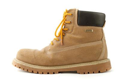 Schneeränder an Schuhen lassen sich verhindern.