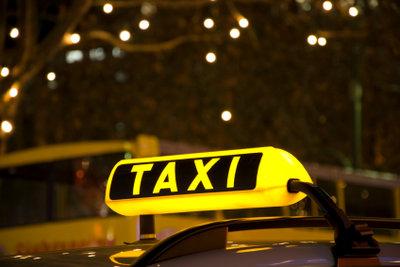 Der Verdienst eines Taxifahrers ist nicht sehr hoch.