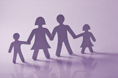 Wer Verwandte im Ausland sucht, sollte sich von Detektiven und Genealogen unterstützen lassen.