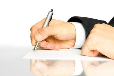 Das Schreiben einer Kündigung ist ein einfacher, formaler Vorgang.