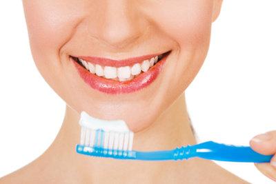 Richtiges Putzen schützt Sie vor einer Zahnfleischentzündung.