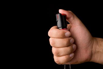 Pfefferspray kann bei der Verteidigung gegen Kampfsportart-Angriffe nützlich sein, ist aber, wie andere Hilfsmittel, mit Vorsicht zu verwenden.
