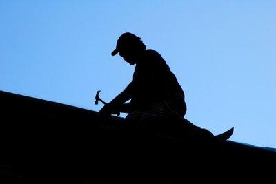 Mit einer Anleitung kann jeder Dachpappe verlegen.