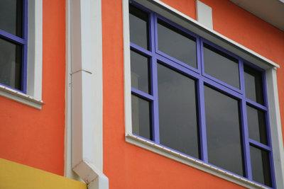 So streichen Sie Kunststofffenster richtig.