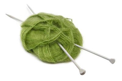 Einen Bolero kann man raffiniert oder ganz einfach stricken.