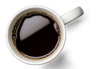 Damit der Kaffee immer schmeckt, sollten Sie die Maschine regelmäßig entkalken