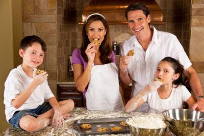 Ein Stollenrezept ohne Hefe kann auch mit der ganzen Familie gebacken werden.