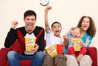 Popcorn ist bei allen in der Familie beliebt.