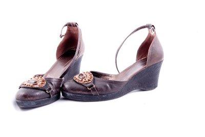 Zu enge Schuhe können Sie ausdehnen.