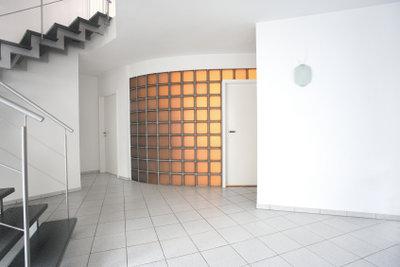 Mauern aus Glasbausteinen sind attraktive Gestaltungselemente.