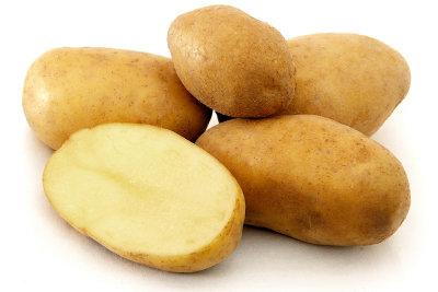 Mehr als einige Kartoffeln, Zwiebeln und einige Gewürze benötigen Sie nicht für Bäckerinkartoffeln.