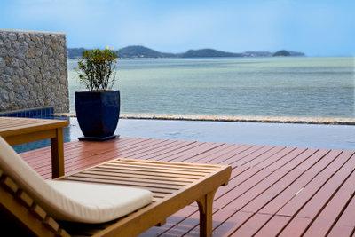 Bangkirai ist ein ideales Holz für die Terrassengestaltung.