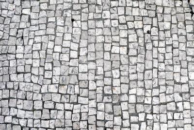 Beim Reinigen von Steinplatten sollten Sie behutsam vorgehen.
