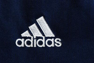 Adidas ist eine beliebte Marke.