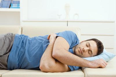 Auf fremden Sofas übernachten: So planen Sie Ihre Reise per CouchSurfing!