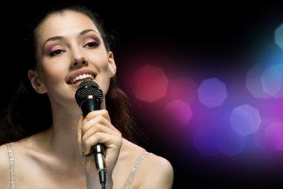 Beim gemeinsamen Singen ist eine 2. Stimme eine große Bereicherung!