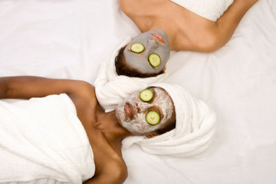 Gesichtsmaske für trockene Haut