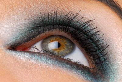 Mit dem passenden Make-up können Sie gezielt Ihr Aussehen verbessern.