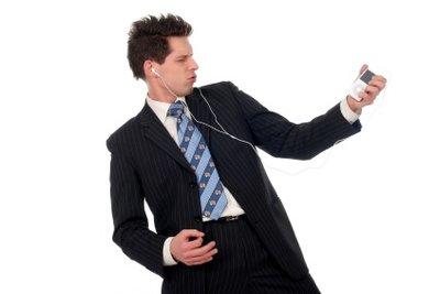 Synchronisieren Sie iPod und andere Geräte mit iTunes.