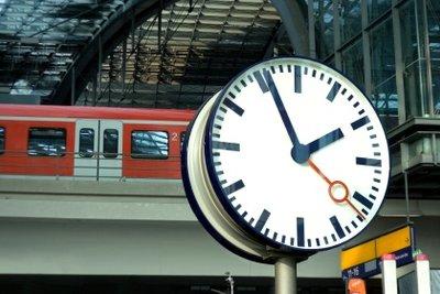 Die Deutsche Bahn hat mal wieder Verspätung.