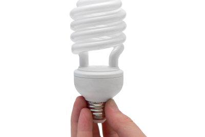 Etwas karge Ästhetik? Schöne Lampenschirme können Sie selber machen.
