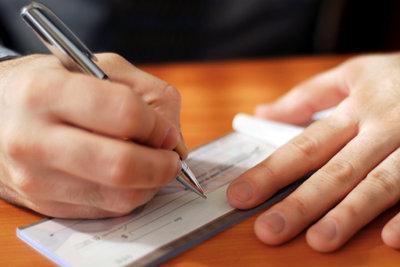 Ist dieser Scheck gedeckt? Fragen Sie Ihren Kontostand ganz einfach online ab!