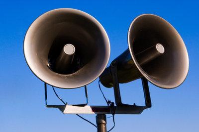 Die Stimme zu verändern kann zu einer kraftvollen Präsenz im Alltag führen.
