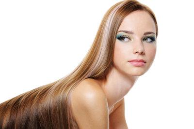 Lange glatte Haare müssen nicht gleichzeitig fettige Haare sein