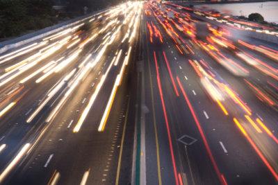 Nach dem Blechschaden kann ein richtiger Unfallbericht viel Ärger sparen.