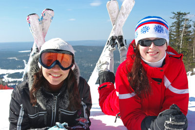 Ihre Skier müssen Sie regelmäßig pflegen.