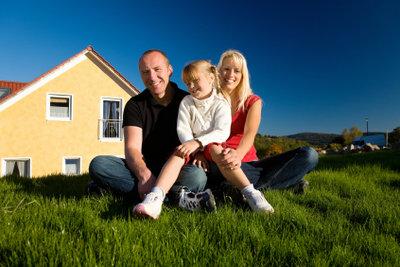 Glückliche Kunden sind das wichtigste Ziel des Immobilienmaklers.