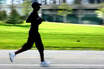 Sport kann der Borreliose entgegenwirken.