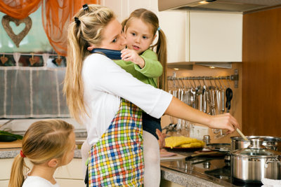 Bei Überforderung können Sie eine Mutter-Kind-Kur beantragen!