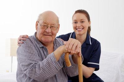 Bei Erweiterung des Pflegeaufwandes sollten Sie Pflegestufe 3 beantragen.