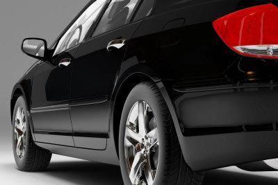 Bei einem teuren Wagen lohnt es sich meist, das Lackieren der Stoßstange einem Profi zu überlassen.